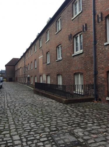 Filming_cobbled_streets_img_0684